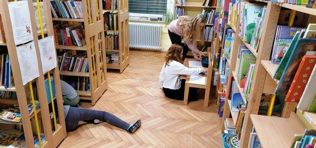 Predpraznično vzdušje tudi v knjižnici